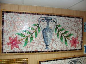Мозаичное панно с вазой и цветами