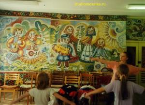 Мозаичная сказка в интерьере музыкального зала Детского садика.