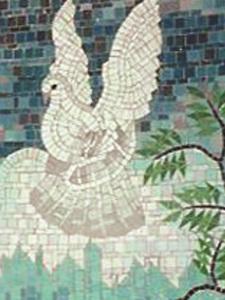 Фрагмент композиции -Голубь -мозаичное панно.