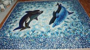 Укладка мозаичной плитки.