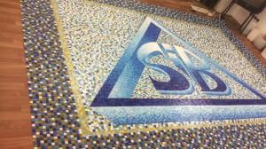 Логотип -Стеклянная мозаичная плитка.