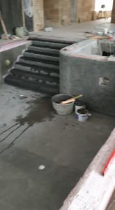 Укладка плитки на лестницу.